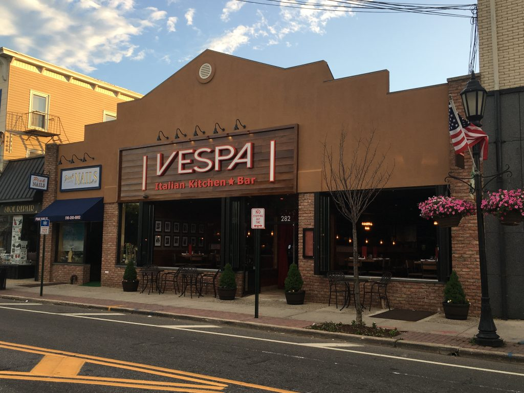 Li Pulse Vespa Italian Kitchen Bar Brings Sicily To Farmingdale Vespa Italian Kitchen Bar